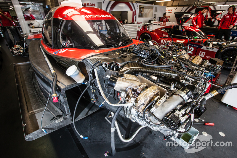 Nissan Motorsports Nissan GT-R LM NISMO engine