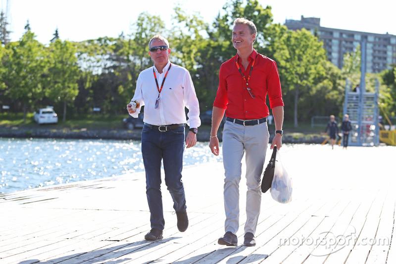 Martin Brundle, Sky Sports Commentator bersama David Coulthard, Red Bull Racing, dan Scuderia Toro A