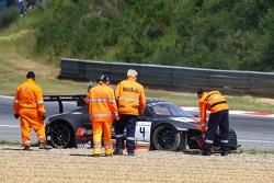 #4 Belgian Audi Club Team WRT Audi R8 LMS Ultra: Frank Stippler, Джеймс Неш goes off на старті