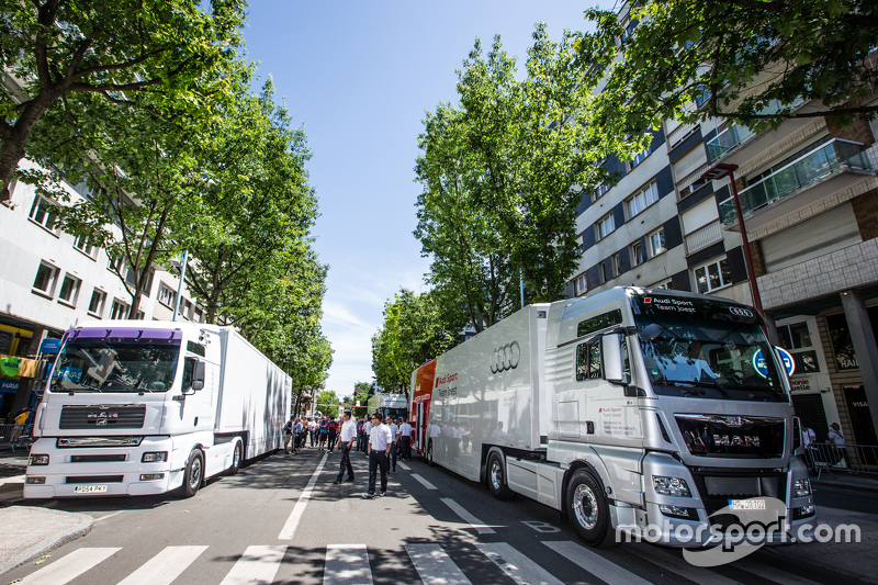 Transporter Audi Sport Team Joest