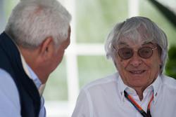 Paseo Lawrence, Ejecutivo con Bernie Ecclestone