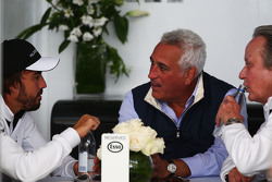 Fernando Alonso, McLaren with Lawrence Stroll, Businessman and Mansour Ojjeh, McLaren shareholder