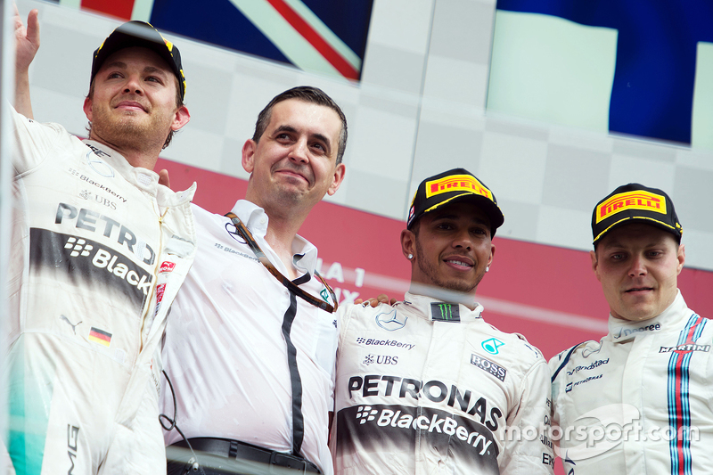 Podium: Second place Nico Rosberg, Mercedes AMG F1, Riccardo Musconi, Mercedes AMG F1 Performance En