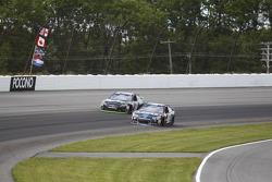 Jimmie Johnson, Hendrick Motorsports, Chevrolet, und Denny Hamlin, Joe Gibbs Racing, Toyota