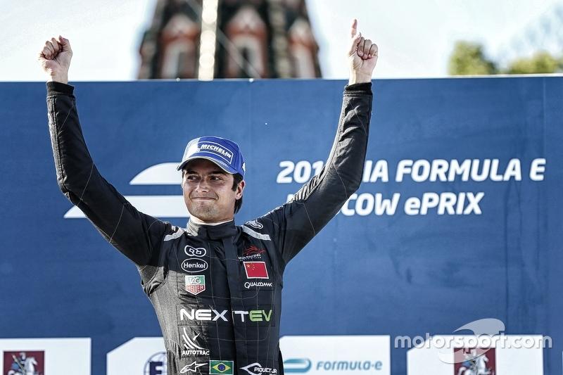 Juara balapan Nelson Piquet Jr., China Racing