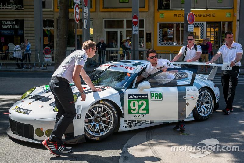 #92 Porsche Team Manthey, Porsche 911 RSR