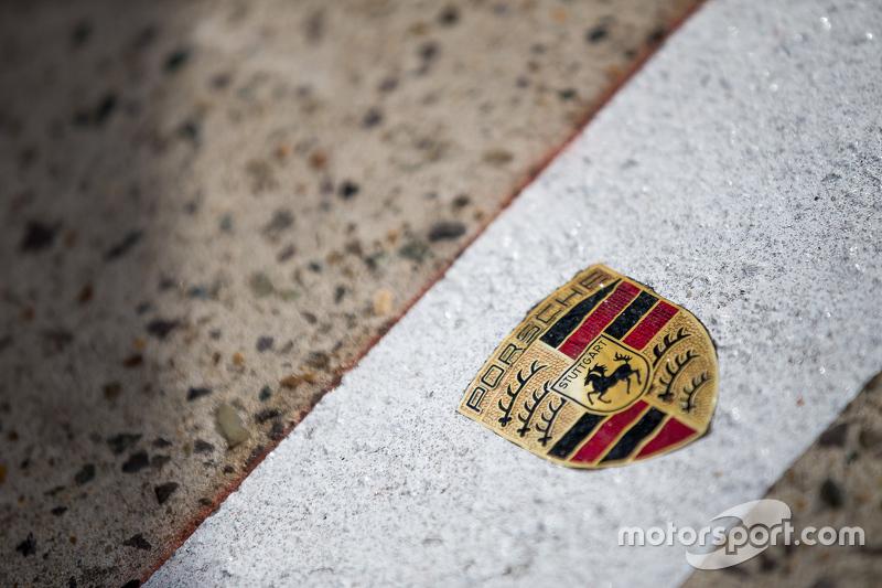 Porsche Team detail