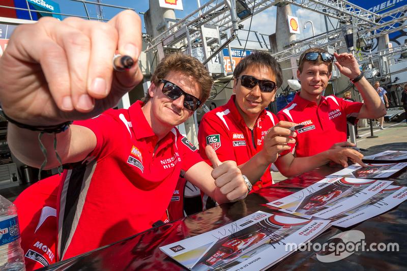 Nissan Motorsports: Цугіо Мацуда, Лукас Ордоньес, Марк Шулжінскі