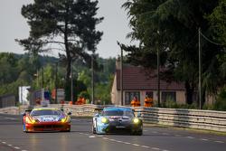 #77 Dempsey Proton Competition Porsche 911 RSR: Патрик Демпси, Патрик Лонг, Марко Зеефрид и #55 AF Corse Ferrari 458 GTE: Данкан Кэмерон,Мэтт Гриффин, Алекс Мортимер