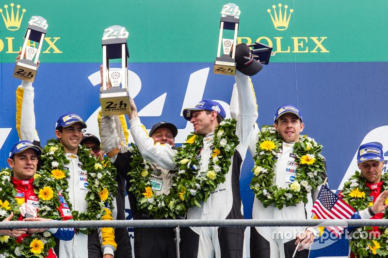 LMGT-Pro-Podium: Klassensieger #64 Corvette Racing, Corvette C7.R: Jordan Taylor, Oliver Gavin, Tommy Milner