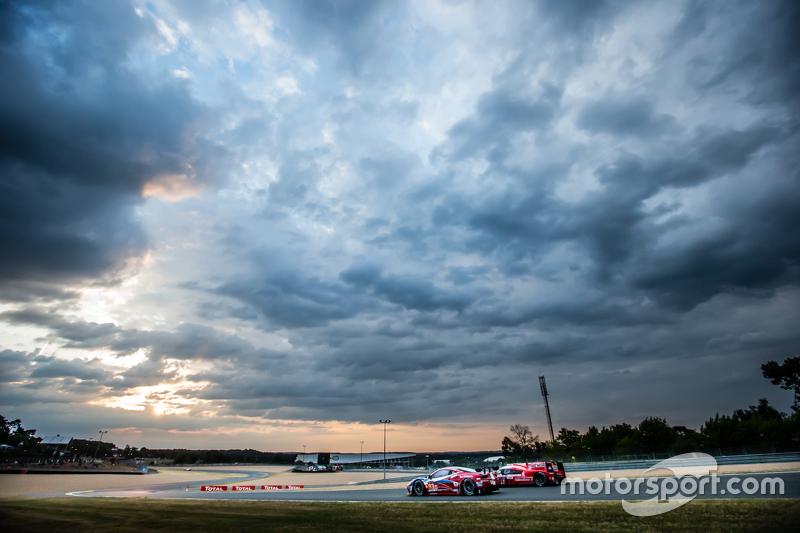 #83 AF Corse, Ferrari 458 GTE: Emmanuel Collard, Rui Aguas, François Perrodo und #17 Porsche Team, Porsche 919 Hybrid: Timo Bernhard, Mark Webber, Brendon Hartley