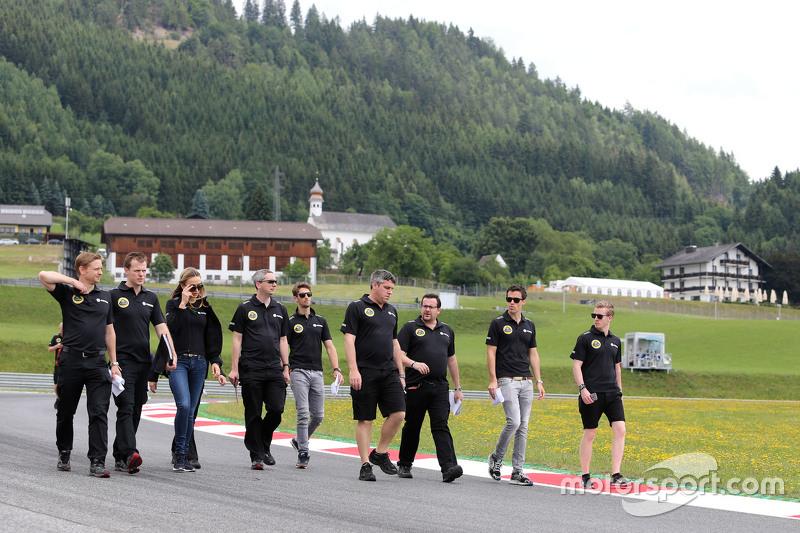 Romain Grosjean, Lotus F1 Team e Jolyon Palmer, Lotus F1 Team