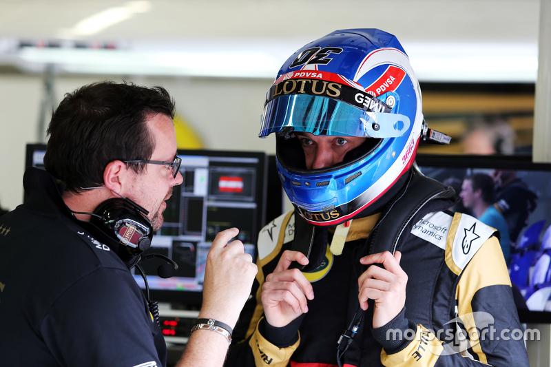 Julien Simon-Chautemps, Lotus F1 Team, Renningenieur, mit Jolyon Palmer, Lotus F1 Team, Test- und Er