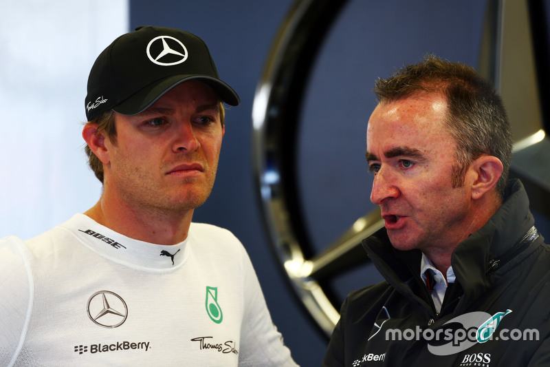 Nico Rosberg, Mercedes AMG F1 bersama Paddy Lowe, Mercedes AMG F1 Executive Director,