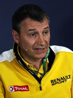 Роб Уайт, Renault Sport Deputy Managing Director, на пресс-конференції FIA