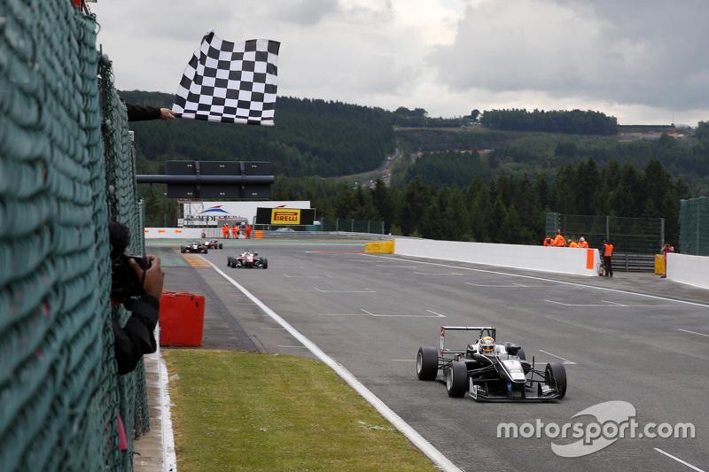 Charles Leclerc, Van Amersfoort Racing, Dallara F312 Volkswagen, siegt