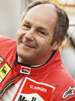 Gerhard Berger op de Legends Parade
