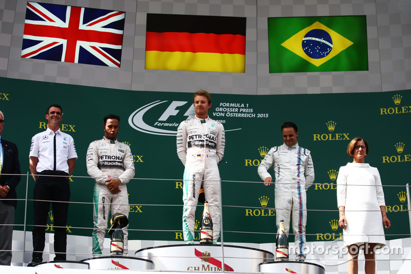 Podium: second place Lewis Hamilton and winner Nico Rosberg, Mercedes AMG F1 and third place Felipe