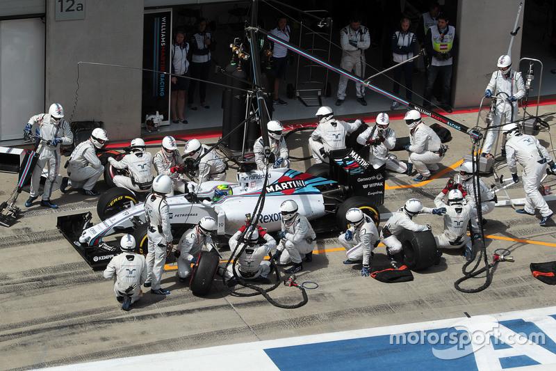 Felipe Massa, Williams FW37, beim Boxenstopp
