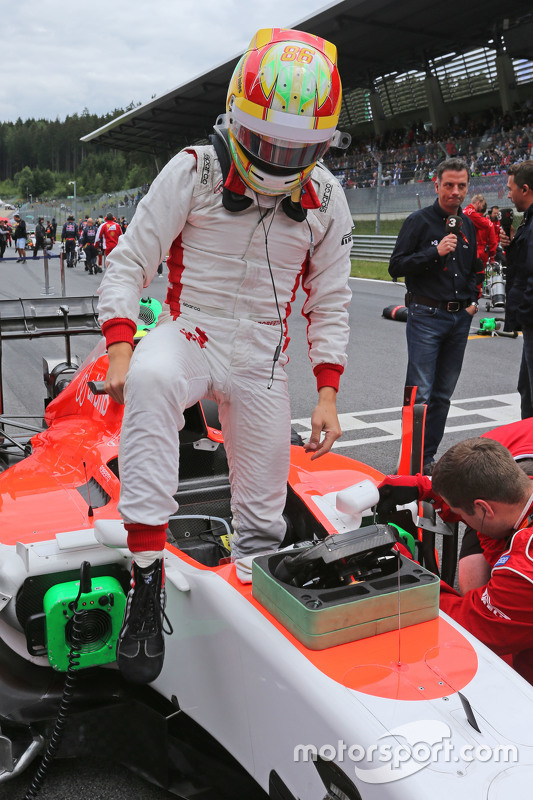 Roberto Merhi, Manor F1 Team on the grid