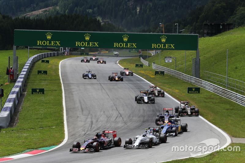 Max Verstappen, Scuderia Toro Rosso STR10 voor Valtteri Bottas, Williams FW37