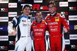 pole position para Jordi Gene, SEAT Leon, Craft Bamboo Racing LUKOIL  segundo lugar de Andrea Belicchi, SEAT Leon, Target Competition y el tercer puesto Pepe Oriola, SEAT Leon, Craft Bamboo Racing LUKOIL