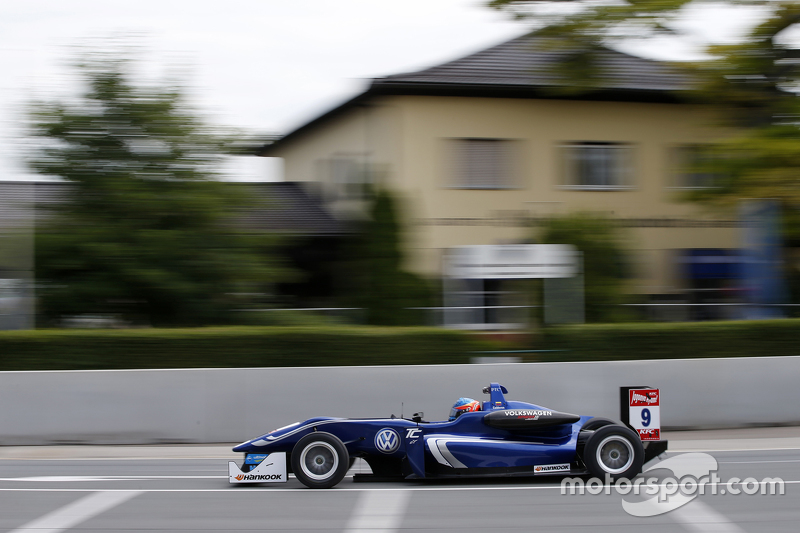 #9 Tatiana Calderon, Carlin, Dallara Volkswagen