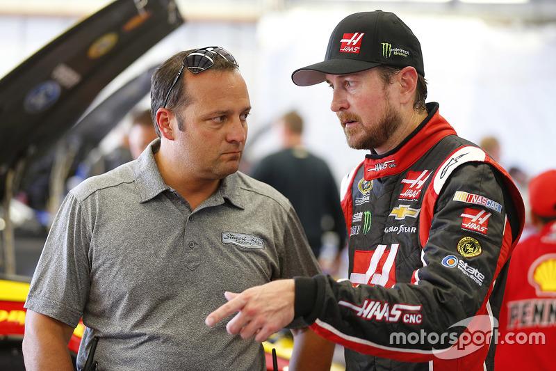 Kurt Busch, Stewart-Haas Racing Chevrolet and Greg Zipadelli