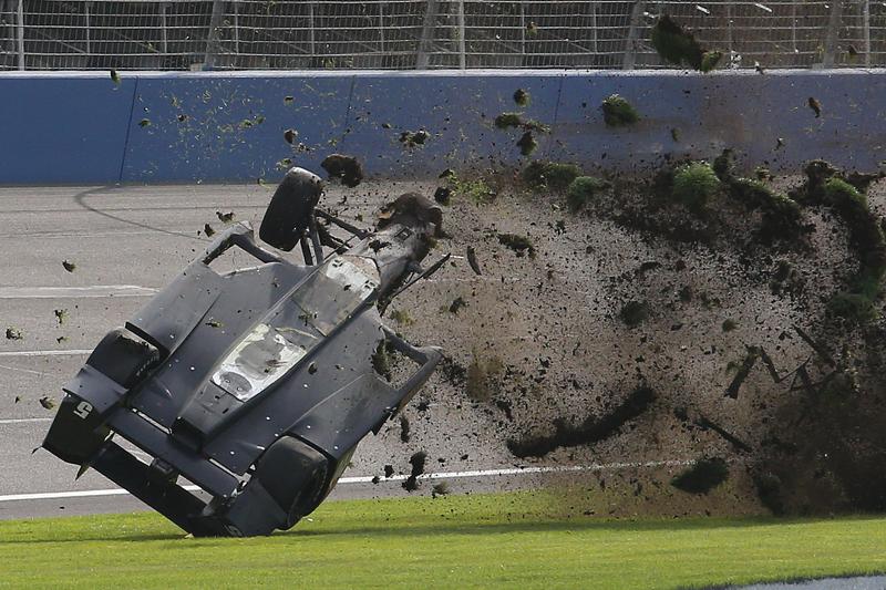 10. Forte acidente de Ryan Briscoe