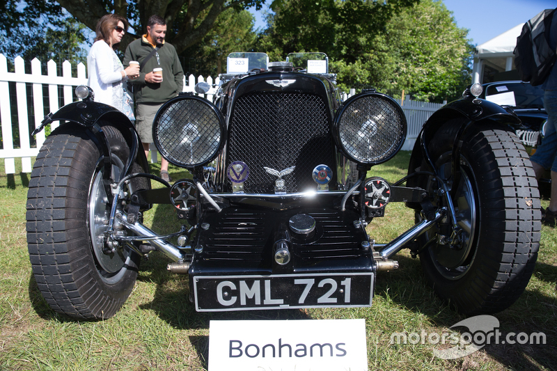 Una Aston Martin Vintage