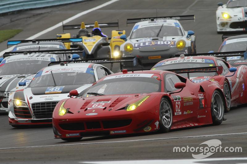 #62 Risi Competizione, Ferrari F458: Pierre Kaffer, Olivier Beretta