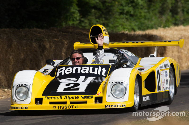René Arnoux in the Renault Alpine A443