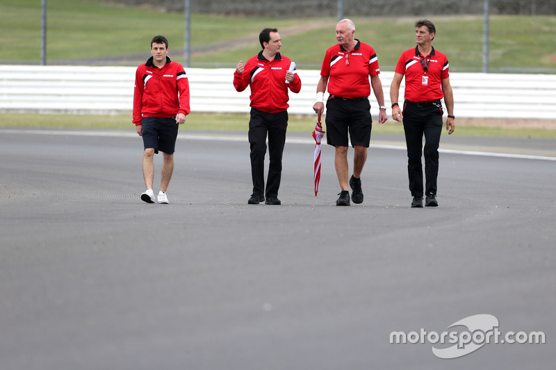 Fabio Leimer, Manor F1 Team piloto reserva, John Booth, diretor da Manor F1 Team