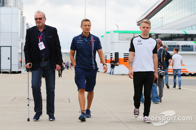 Didier Coton, Driver Manager with Antti Vierula, Personal Trainer and Kevin Magnussen, McLaren Test