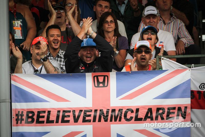 McLaren fans, dan flag