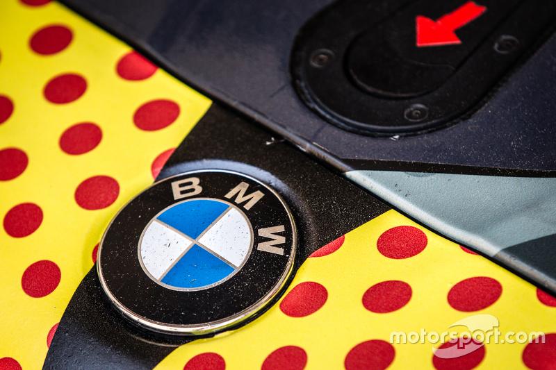 #17 Walkenhorst Motorsport, BMW Z4 GT3 BMW mit Logo-Detail