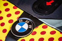 #17 Walkenhorst Motorsport BMW Z4 GT3 BMW logo detail