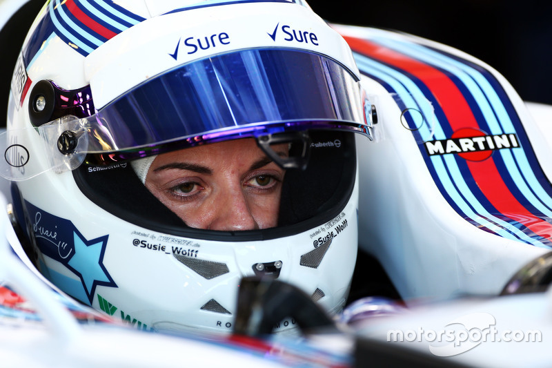 Susie Wolff, Williams FW37, piloto en desarrollo