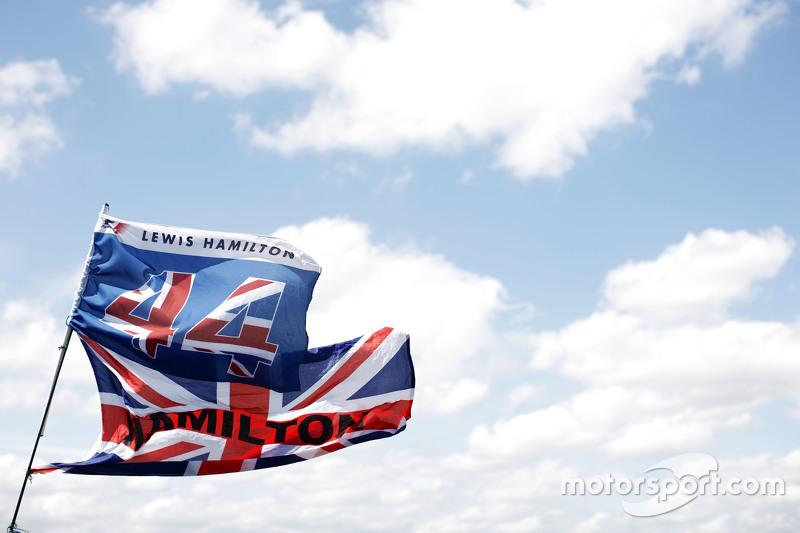 Lewis Hamilton, Mercedes AMG F1, Flaggen