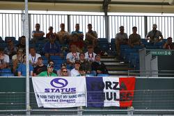 Status Grand Prix фанати на головній трибуні