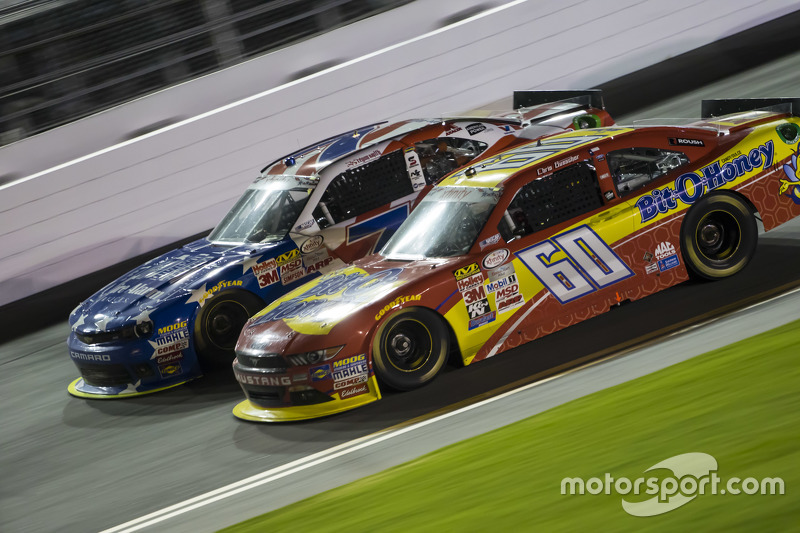 Regan Smith, JR Motorsports Chevrolet and Chris Buescher, Roush Fenway Racing Ford