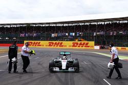 Lewis Hamilton, Mercedes AMG F1 W06 op de grid