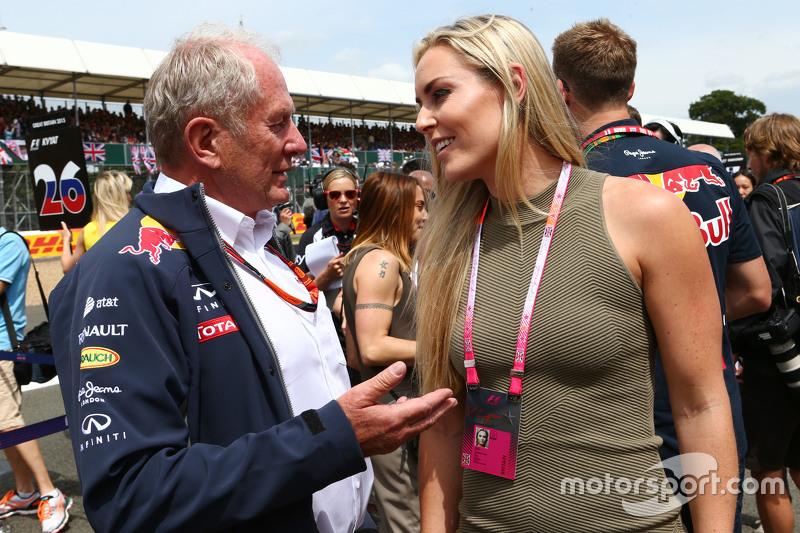 Dr Helmut Marko, Red Bull Motorsport Consultant bersama Lindsey Vonn, Alpine Ski Racer di grid