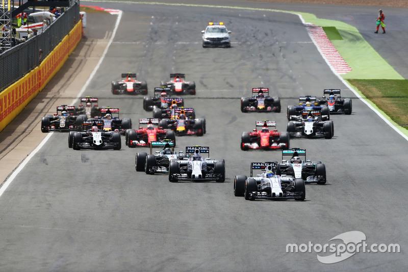 Start: Felipe Massa, Williams FW37, in Führung