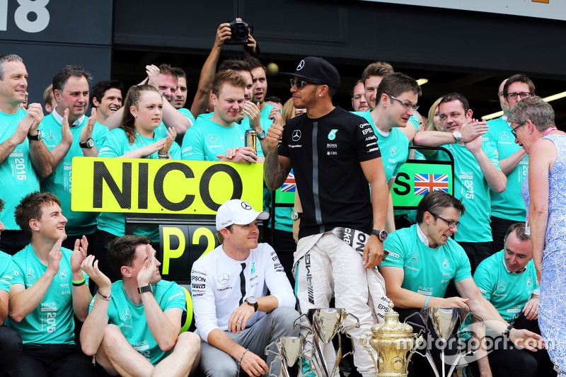 Race winner Lewis Hamilton, Mercedes AMG F1 celebrates with team mate Nico Rosberg, Mercedes AMG F1,