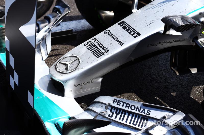 Die Frontpartie von Nico Rosberg, Mercedes AMG F1, im Parc Fermé