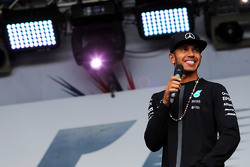 Льюис Хэмилтон, Mercedes AMG F1 на концерте после гонки