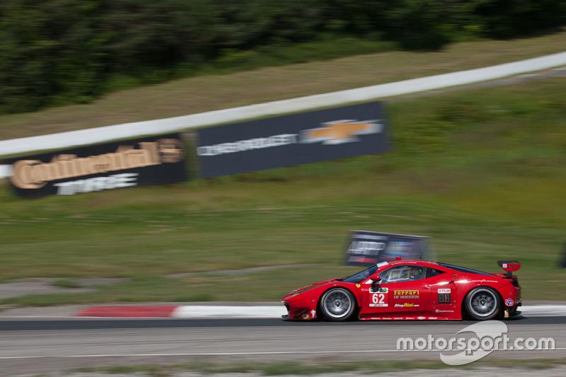 #62 Risi Competizione Ferrari F458: Pierre Kaffer, Giancarlo Fisichella, Olivier Beretta