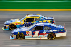Elliott Sadler, Roush Fenway Racing Ford and Dale Earnhardt Jr., JR Motorsports Chevrolet