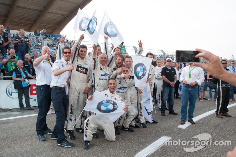 BMW Team RMG merayakan kemenangan dan P3